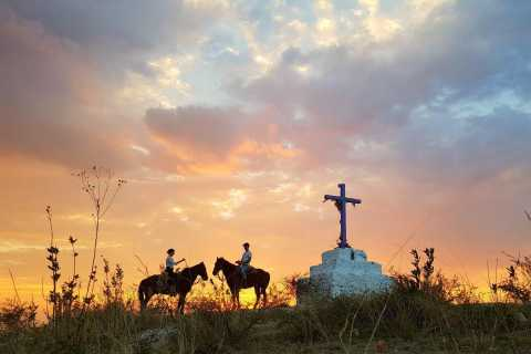San Miguel: Romantic Horseback Riding at Night with Dinner