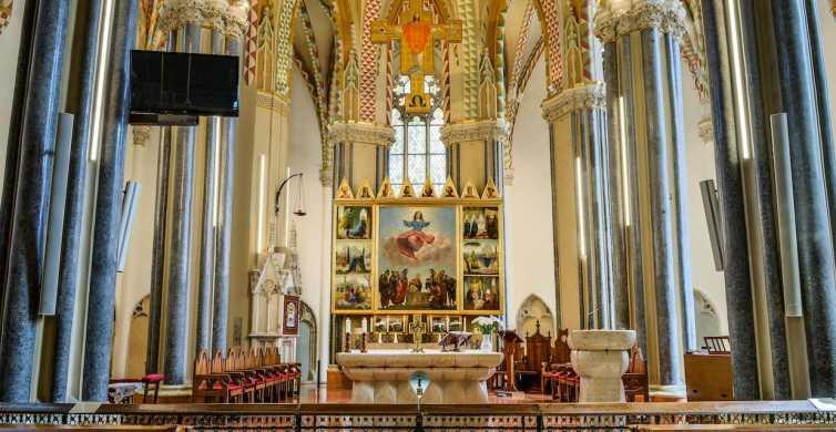 Budapest: entrada a la iglesia y la parroquia del centro de la ciudad
