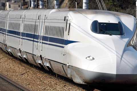 Fukuoka: Bullet Train 1-Way Ticket from Hakata to Osaka