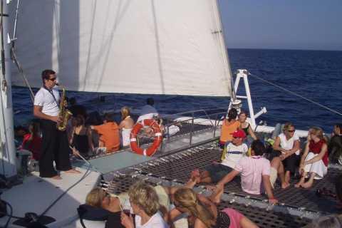 Barcelona: Sunset Catamaran Cruise with Live Music