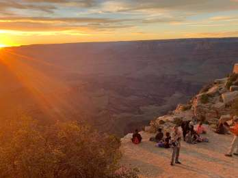 Grand Canyon National Park: Geführte Sunset Hummer Tour
