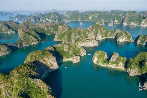 From Hanoi: All-Inclusive Overnight Ha Long Bay Cruise