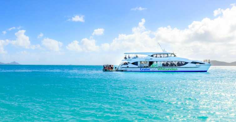From Airlie Beach: Whitsunday & Whitehaven 6-Hour Cruise