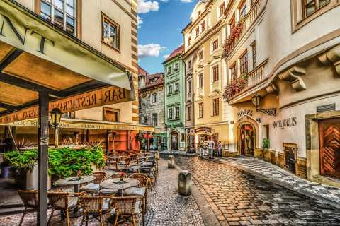 From Wroclaw: Full-Day Private Guided Trip to Prague
