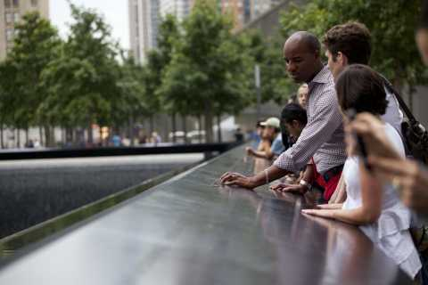 NYC Ground Zero: Family Tour with Ticket for 9/11 Museum
