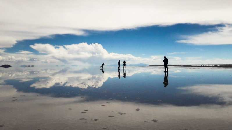 From Uyuni Salt Flats 4wd Tour With Lunch And Sunset Uyuni Bolivia Getyourguide