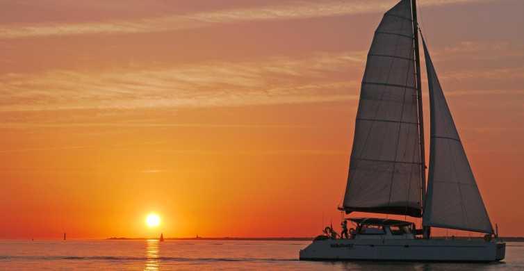 La Rochelle: croisière en voilier au coucher du soleil de 2 heures