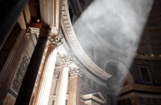 Rom: Spende an Wohltätigkeitsprojekte des Pantheons