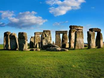 London: Stonehenge, Stratford-Upon-Avon, Bath & Cotswolds