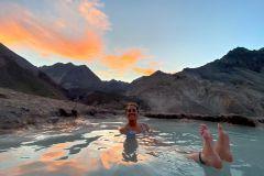 Santiago: Cajon del Maipo Hot Springs & Barbecue Experience