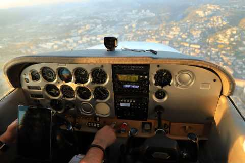 Aix-en-Provence: Private Sightseeing Flight