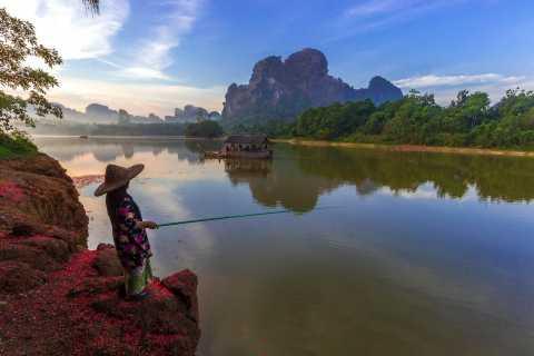 Krabi: mejor tour privado al amanecer por montañas y playas
