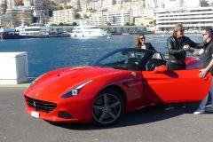 Mônaco: Passeio de Ferrari Califórnia de 30 ou 60 Minutos