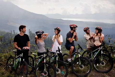 Bali: Mount Batur Mountain Biking Adventure with Lunch