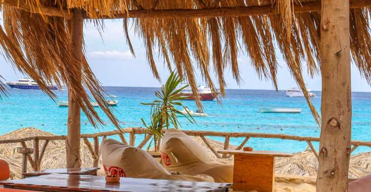 Hurghada: Luxury Sailing Trip to Orange Bay with Lunch