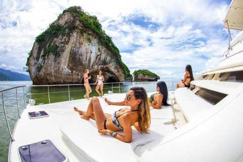Puerto Vallarta: Luxury Catamaran Trip with Snorkeling
