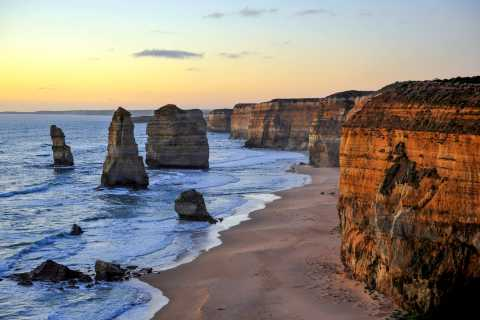 From Melbourne: Great Ocean Road Private Guided Tour by Car