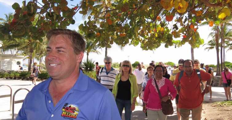 South Beach: Walking Tour at Twilight