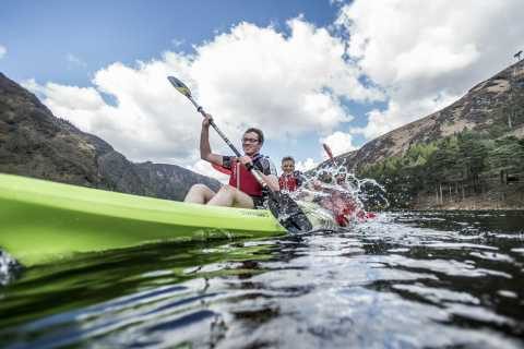 Cork: Castlehaven Bay Family Kayaking Adventure