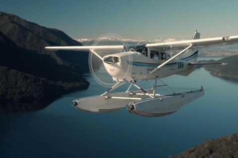 Te Anau: vôo panorâmico de 40 minutos em hidroavião com som duvidoso