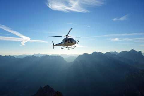 Bern: Privater 26-minütiger Hubschrauberflug zum Thunersee