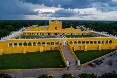 From Merida: Izamal City Guided Walking Tour