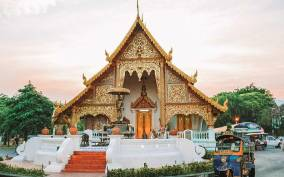 Chiang Mai: Private Tuk Tuk Tour of City Temples With Pickup