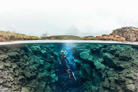 Silfra: tour de esnórquel y cuevas de lava de Leidarendi con fotos