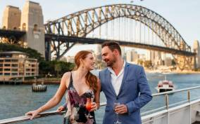 Sydney: Harbour Dinner Cruise with 3 or 6-Course Menu