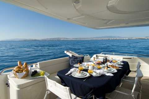 Santorini Caldera: Luxurious Private Yacht Cruise with Meal
