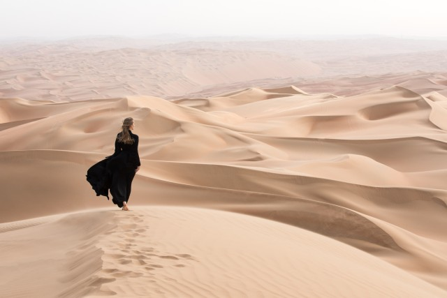 Dubai: ochtend woestijnsafari met sandboarden & kamelenrit