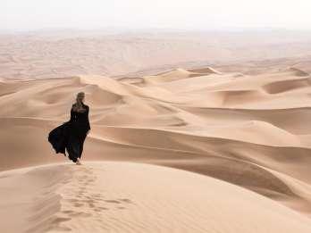 Dubai: Wüstensafari am Morgen mit Sandboarding & Kamelritt. Foto: GetYourGuide