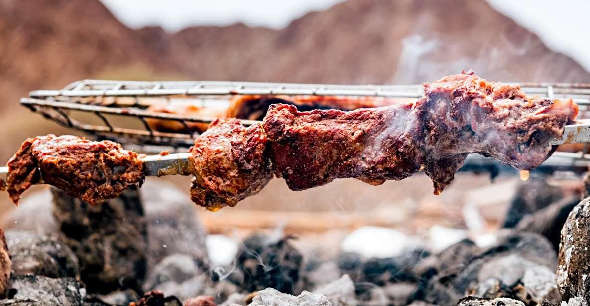 Abu Dhabi: Wüstensafari mit BBQ, Sandboarding & Kamelritt