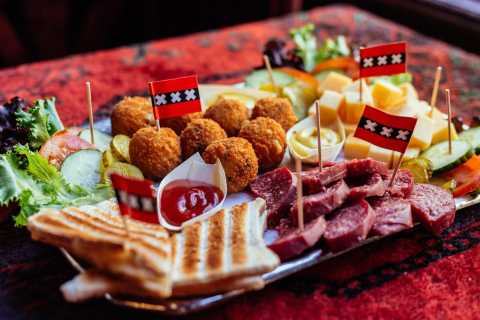 Amsterdam: Local Food Walking Tour