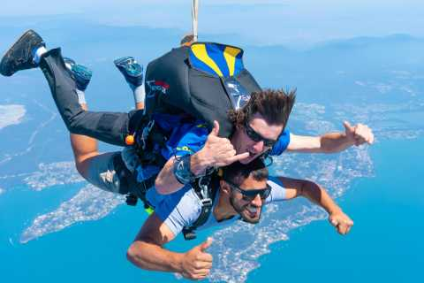 Newcastle: Tandem Beach Skydive