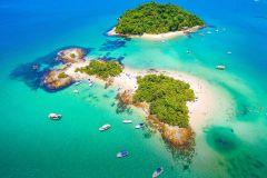 Do Rio de Janeiro: Passeio de Barco em Angra dos Reis com Almoço