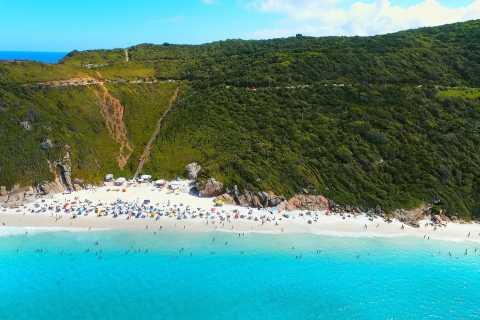 Desde Río de Janeiro: paseo en barco por Arraial do Cabo con almuerzo