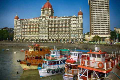 Mumbai: Private City Tour with Ferry Ride & Dharavi Village