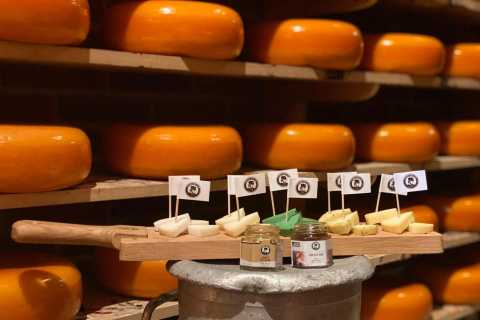 Volendam: Local Cheese Tasting Experience