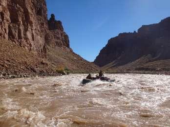 Von Moab: Cataract Canyon Wildwasser-Rafting-Erlebnis
