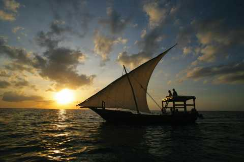 Stone Town: Traditional Dhow Sunset Cruise