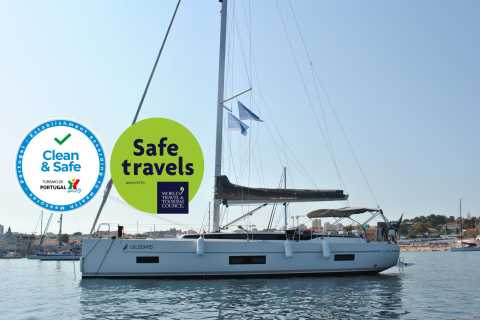 Cascais: 2- or 4-hour Sailing Tour