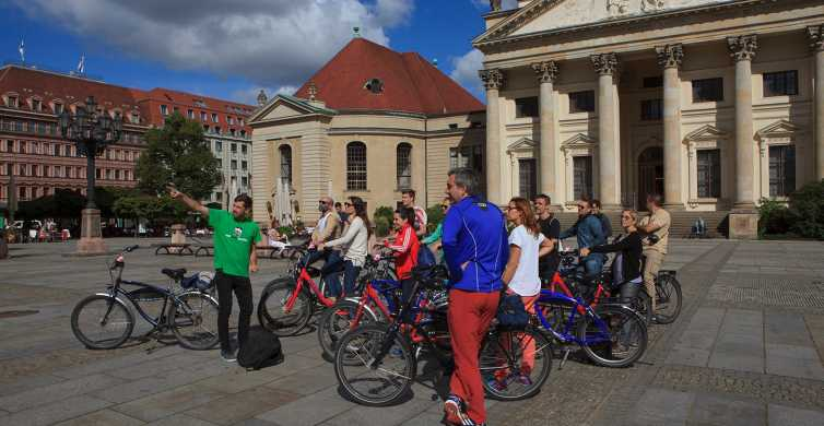 Berlin: 4-Hour City Highlights Bike Tour in Spanish