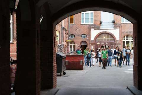 Berlin: 2.5-Hour Tour of the Jewish Quarter in Spanish