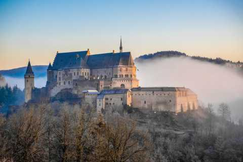 Luxembourg City: Hop On Hop Off Castles & Nature Day Tour