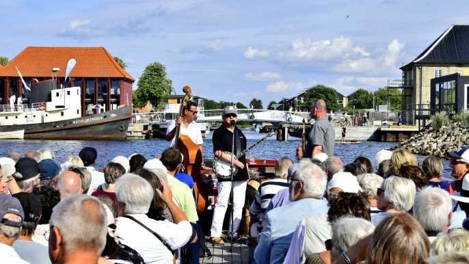 Copenhague: crucero de 1 hora con actuación de jazz en directo