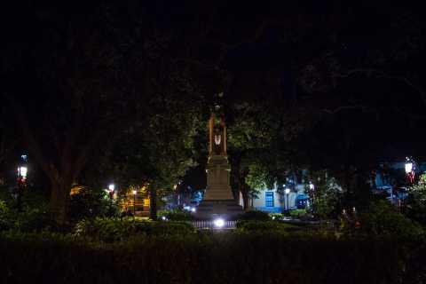 Savannah: Haunted History and Ghosts Walking Tour