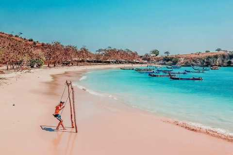 Pink Beach and Southeast Gili Islands Full Day Private Tour