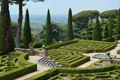 Castel Gandolfo: Papal Villas Minibus Tour and Picnic