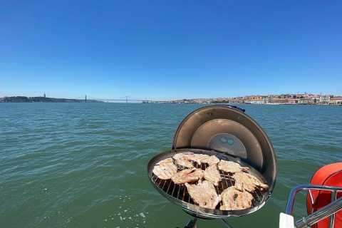 Lisbon: Private Boat Trip with Barbecue Lunch